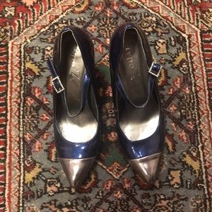 Blue and gray patent leather pumps good condition8